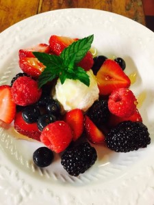 Breakfast Berries with Ricotta