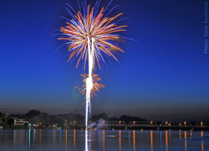 Take an amazing fireworks cruise along the Delaware River near our PA inn!