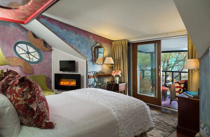 Garret Room