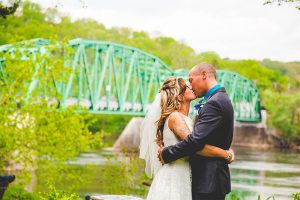 Delaware River Wedding - Kiss