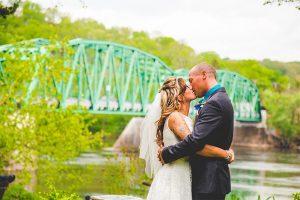 Delaware River Wedding - Kiss