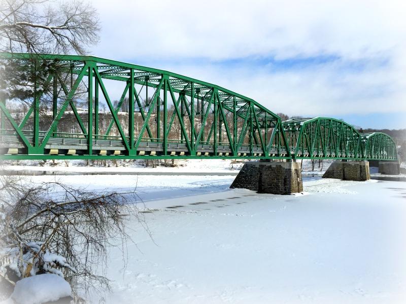 The beautiful Delaware River bridge in the winter.